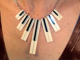 7n-necklace-small.jpg
