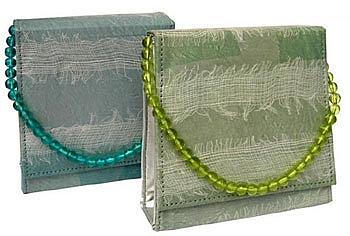 recycled-plastic-handbag.jpg